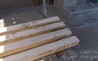Скамейка на дачу: из старых брусков и профиля