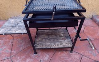 Оригинальный стол барбекю для дачи и дома своими руками