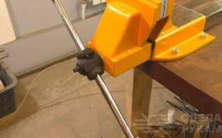 Большие слесарные тиски из старого металлолома