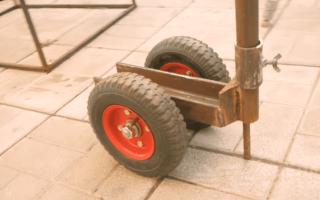 Простая тележка для перевозки грузов из куска швеллера