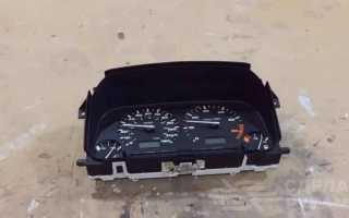 Настенные часы в виде рулевого колеса с приборной панелью