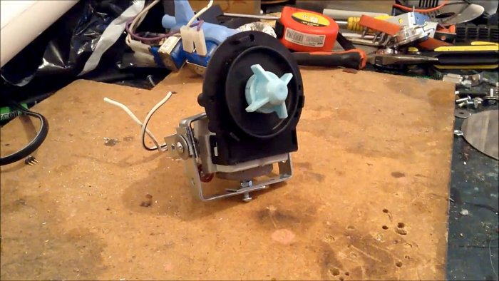 Ветрогенератор из HDD и помпы стиральной машины