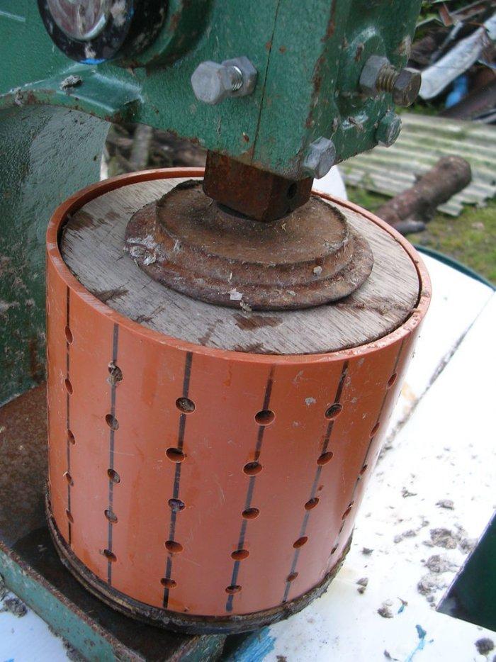 Изготовление топливных брикетов из опилок и бумаги